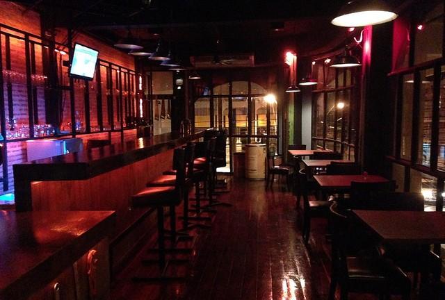 Nouveau Bar à Korat – High Time