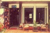 Retro Café and Bar